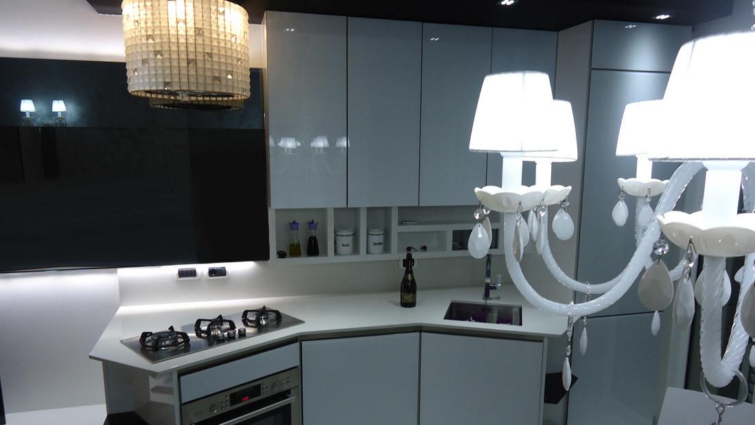 Appartamento a Riccione arredato da Sar Seveso - Cucina bianca